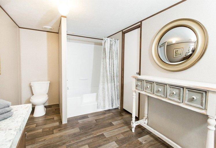 Tyson-Pride-Master-Bathroom2