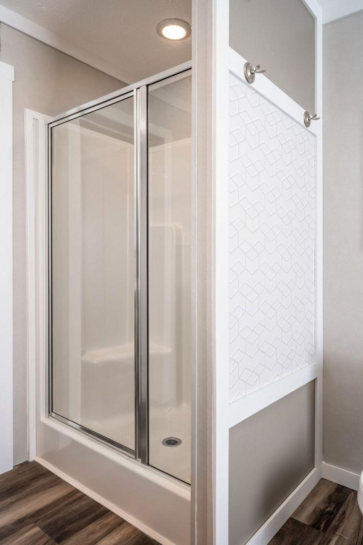 Kingsland Shower