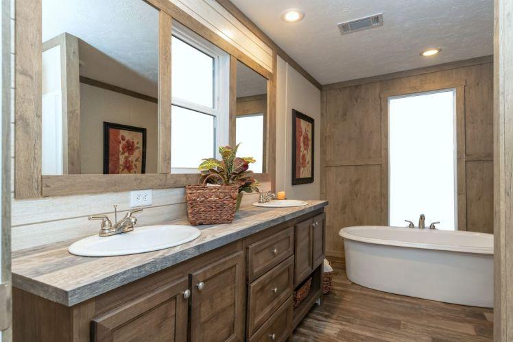 Savannah Master Bath